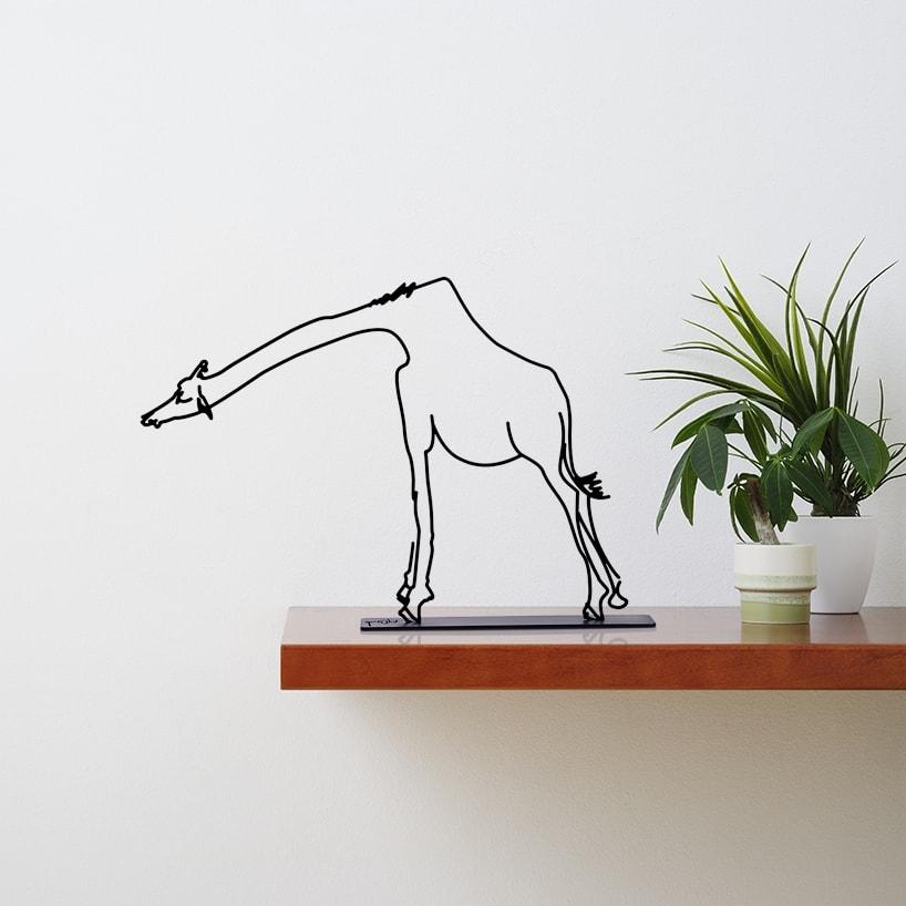 Wanetik Art - Giraffe Figurine - Small